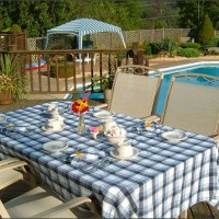 bed-and-breakfast-table-pool-deck